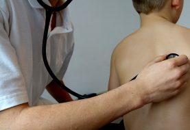 """Vaiko sveikatos patikra dėl """"varnelės"""" - kokia rizika?"""