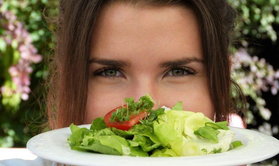"""Veganiška mityba: gali tekti vaikščioti """"besmegenio kojomis"""""""