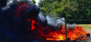 Perspėjimas: gaisro Alytuje pasekmės viršys ugnikalnių sukeliamą žalą