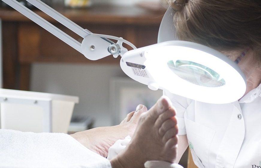 Atliko pirmąją Lietuvoje subchondroplastikos procedūrą: pacientei ramentų nebereikės