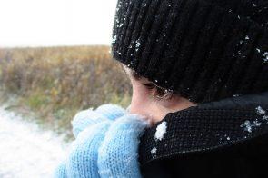 Šalčio dilgėlinė pasireiškia ne tik žiemą – kaip ją pristabdyti