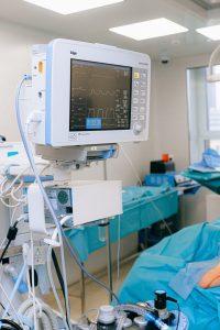 Naujos technologijos leidžia operuoti širdį stebint trimatėje erdvėje
