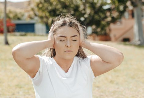 Simptomas, kurį aštrina stresas: kas yra tinitas ir kaip su juo kovoti?