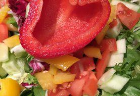 Atgaivina ne tik vanduo: 5 daržovės, kurias verta valgyti karštą vasaros dieną (receptai)