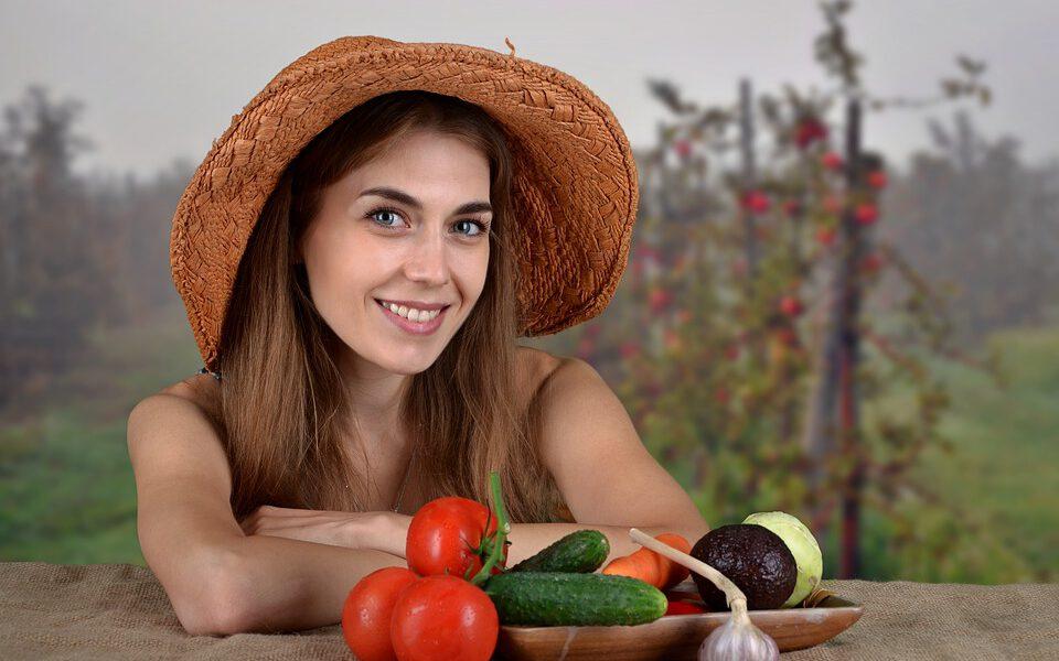 Tai, ką pamiršome per vasarą – dietologės patarimai sveikesnei mitybai ir geresnėms kūno linijoms