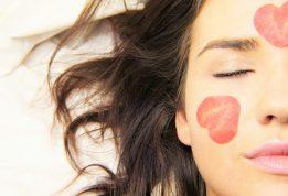 Odos priežiūra rudenėjant: kaip išlaikyti skaisčią ir stangrią veido oda?